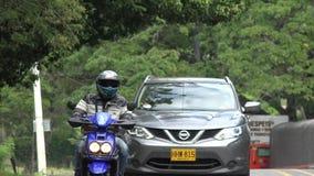 Tailgating movente pericoloso del motociclo fotografie stock