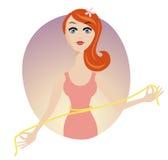 Taille der eleganten Frauen mit einem gelben messenden Band Stockfotos