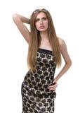 Taille-oben Portrait des schönen Mädchens mit Diadem lizenzfreies stockbild