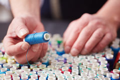 Tailleur Choosing Blue Thread images stock