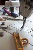Tailleur, travaillant, concept de travail de concepteur de vêtements Images libres de droits