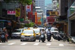 Taipeh, Taiwan - 15. Mai 2016: Abschnitt 2, Anhe-Straße morgens in Taipeh Lizenzfreie Stockbilder