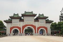 Taipeh, Taiwan - Mei 2018: Toeristen die Martelaar` s Heiligdom in Taipeh, Taiwan bezoeken Royalty-vrije Stock Afbeelding