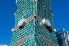TAIPEH, TAIWAN - OKTOBER 9,2017: Schließen Sie herauf Ansicht von Wolkenkratzer Taipehs 101, Hauptstadt Stockbilder