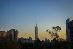 Taipei 101 ad alba Fotografie Stock Libere da Diritti