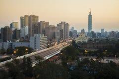 Taipei 101 ad alba Immagini Stock