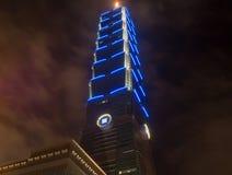 Taipei 101 na noite fotos de stock royalty free