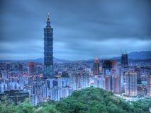 Taipei 101 nattplatser Arkivbild