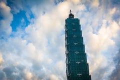 Taipei 101 no por do sol, em Taipei, Taiwan Imagem de Stock