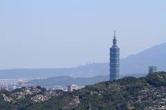 Taipei 101 och cityscape av Taipei från Maokong, Taiwan, ROC Arkivbilder