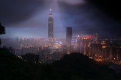 Taipei 101 skyskrapa från elefantberget Royaltyfria Foton