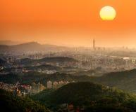 Taipei-Sonnenuntergang Lizenzfreie Stockfotos
