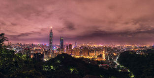 taipei Taiwan Monaco panorama linia horyzontu cityscape Taipei 101 Taipei Światowy centrum finansowe w tle Obraz Stock