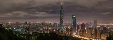 taipei taiwan night panorama horisont cityscape Finansiell mitt för Taipei 101 Taipei värld i bakgrund Fotografering för Bildbyråer