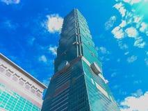 Taipei Taiwan - November 22, 2015: Taipei 101 torn, sikt från Fotografering för Bildbyråer