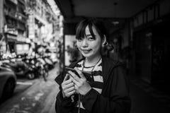 Taipei Taiwan - September 20, 2018: Potrtrait av asiatiskt le för flicka arkivbild
