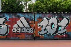 TAIPEI, TAJWAN - OKOŁO Luty, 2018: Zamyka w górę strzału Adidas logo Adidas AG jest Niemieckim korporacją, Zdjęcia Stock