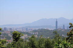 Taipei 101 y paisaje urbano de Maokong, Taiwán Imagen de archivo libre de regalías