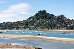 TAIRUA NYA ZEELAND - FEBRUARI 8: Öppning på den Tairua Nya Zeeland nollan royaltyfria bilder