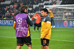 Taison and Srna before the match of the Champions League Royalty Free Stock Photography