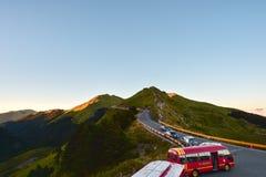 Taiwan Hehuan berg - Oktober 21. 2017: Härligt berg med blå himmel Arkivbilder