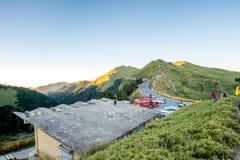 Taiwan Hehuan berg - Oktober 21. 2017: Härligt berg med blå himmel Arkivfoto