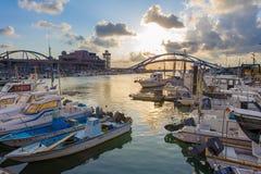 Taiwan taoyuan een yung-Vissershaven door de zonsondergang stock afbeelding