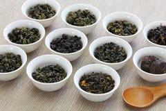 Taiwanesische Teezusammenstellung: oolong Tee, Eisengöttintee, Tee PU-erh lizenzfreie stockfotografie