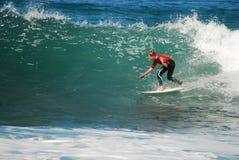 Taj Burrows en la competencia de la resaca de la playa de Belces Imágenes de archivo libres de regalías