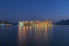 Taj Jeziorny pałac przy Udaipur miastem, India Obraz Royalty Free