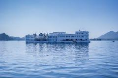 Taj Lake Floating Palace Udaipur Rajasthan Indien arkivbild