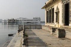 Taj Lake Palace sul lago Pichola in Udaipur, Ragiastan, India Fotografia Stock