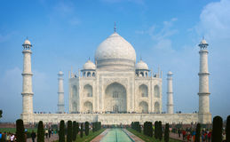 Taj Mahal σε Agra Ινδία μια ηλιόλουστη ημέρα Στοκ Εικόνα