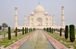 Taj Mahal. With its fountain Royalty Free Stock Images