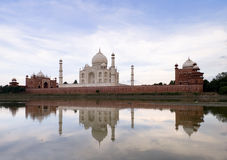 Taj mahal. One of the world's most famous architecture: Taj Mahal Royalty Free Stock Photography