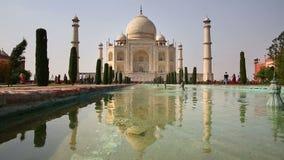 Taj Mahal, Agra, la India almacen de video