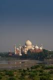 Taj Mahal avståndsbild Arkivbild