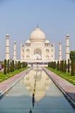 Taj Mahal bij middag Royalty-vrije Stock Foto's