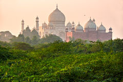 Taj Mahal bij zonsondergang, Agra, Uttar Pradesh, India. Stock Fotografie