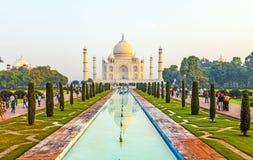 Taj Mahal dans la lumière de lever de soleil, Âgrâ, Inde Photos libres de droits