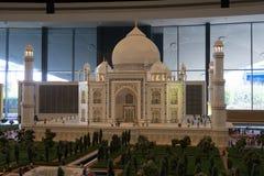 Taj Mahal do modelo da Índia em Legoland Dubai imagens de stock royalty free