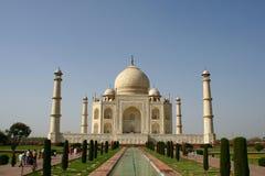 Taj Mahal in duidelijke blauwe hemel Royalty-vrije Stock Fotografie