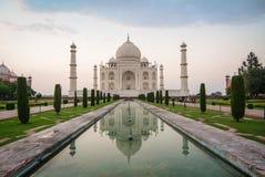 Taj Mahal en Agra, la India imagen de archivo