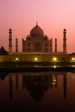 Taj Mahal en la oscuridad Imágenes de archivo libres de regalías
