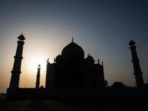 Taj Mahal en silhouette de matin Image stock