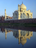 Taj Mahal - fiume di Yamuna - Agra - l'India immagini stock libere da diritti