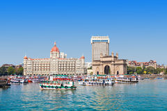 Taj Mahal Hotel en Gateway van India stock fotografie