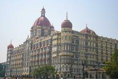 Taj Mahal Hotel in Mumbai Bombay India - zijschot Stock Afbeeldingen