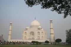 Taj Mahal i Agra, Uttar Pradesh, Indien från den olika sikten Royaltyfri Bild