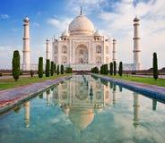 Taj Mahal i soluppgånglampa Arkivbilder